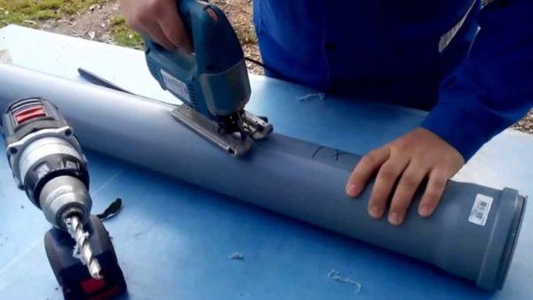 Поилка из пластиковой трубы